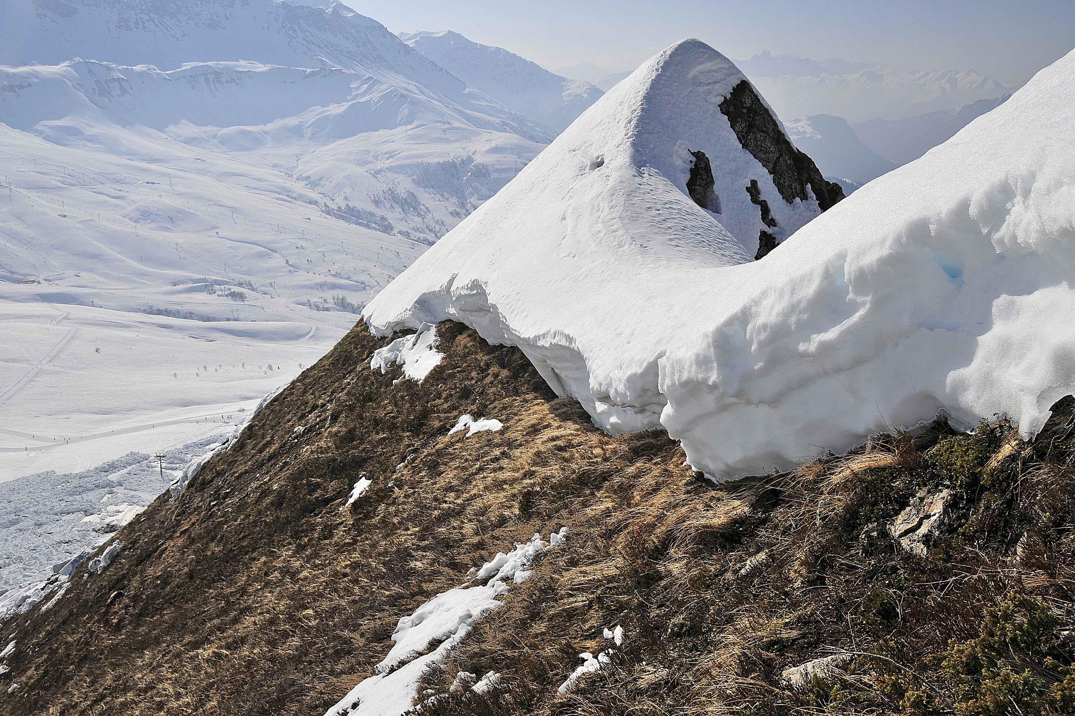 fissure entraînant une avalanche de glissement après un passage doux